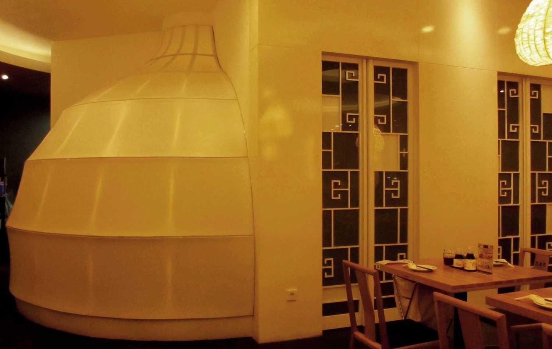 Rully Tanuwidjaja Interior Din Tai Fung Restaurant (Surabaya) Jl. Dharmahusada Indah Timur No. 35-37, Mulyorejo, Kota Sby, Jawa Timur 60115, Indonesia Jl. Dharmahusada Indah Timur No. 35-37, Mulyorejo, Kota Sby, Jawa Timur 60115, Indonesia Vip Dining Area Tropis 48097