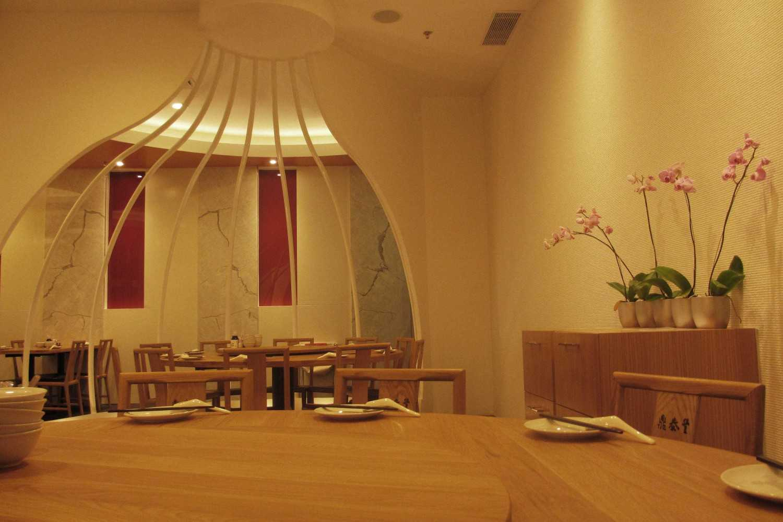 Rully Tanuwidjaja Interior Din Tai Fung Restaurant (Surabaya) Jl. Dharmahusada Indah Timur No. 35-37, Mulyorejo, Kota Sby, Jawa Timur 60115, Indonesia Jl. Dharmahusada Indah Timur No. 35-37, Mulyorejo, Kota Sby, Jawa Timur 60115, Indonesia Vip Dining Area Kontemporer 48103