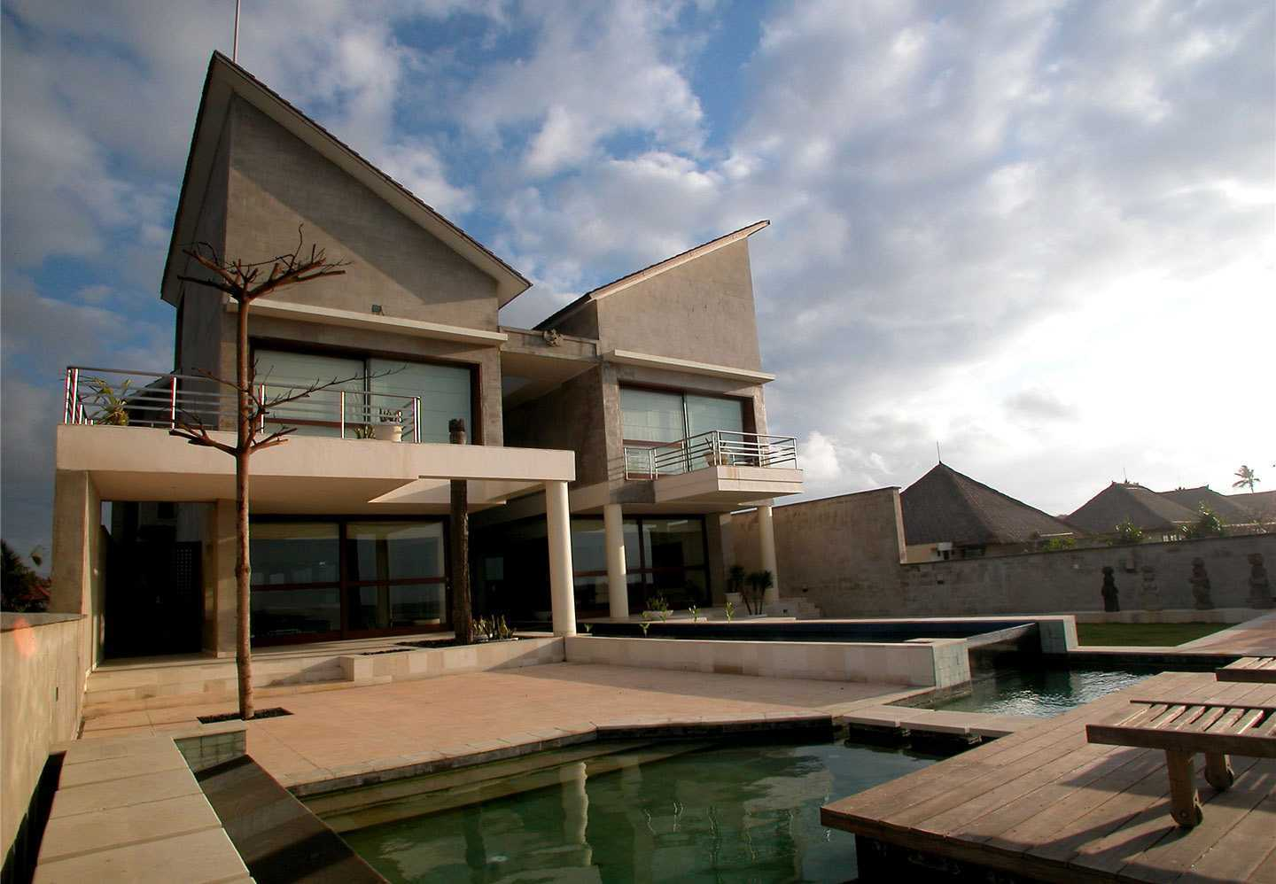 Agung Budi Raharsa | Architecture & Engineering Shark House - Bali Bali, Indonesia Ketewel, Bali Front View  12439