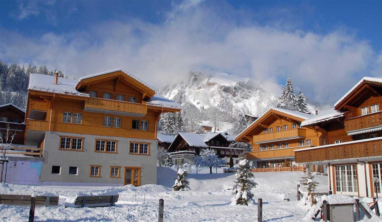 Agung Budi Raharsa Lenk Hotel - Switzerland Switzerland Switzerland Exterior-6 Minimalis 12750