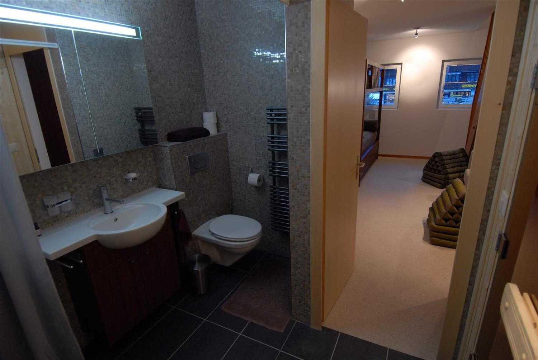 Agung Budi Raharsa Lenk Hotel - Switzerland Switzerland Switzerland Bathroom-3 Minimalis 12776