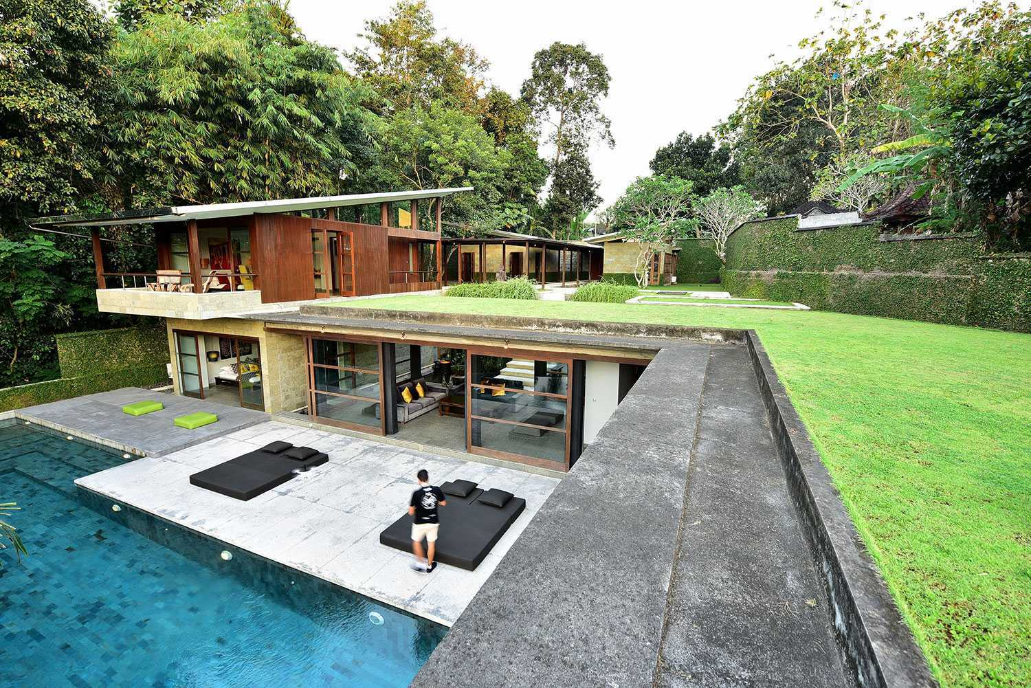 Agung Budi Raharsa | Architecture & Engineering Vanishing Villa - Bali Bali, Indonesia Kabupaten Tabanan, Bali, Indonesia Exterior View Contemporary 49900