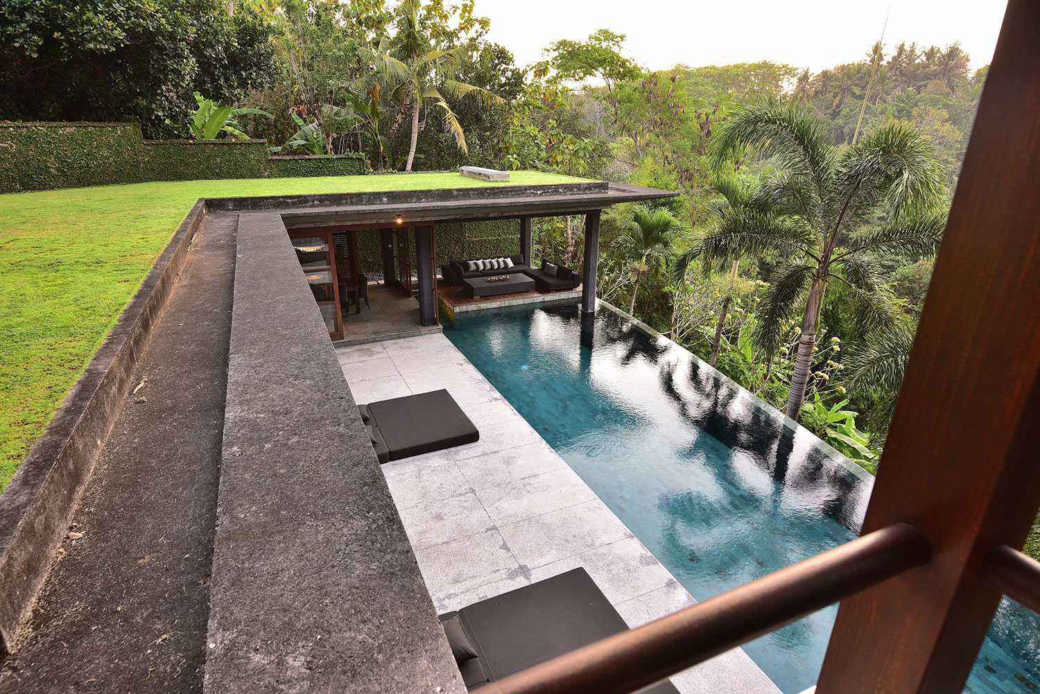 Agung Budi Raharsa | Architecture & Engineering Vanishing Villa - Bali Bali, Indonesia Kabupaten Tabanan, Bali, Indonesia Swimming Pool View Contemporary 49901