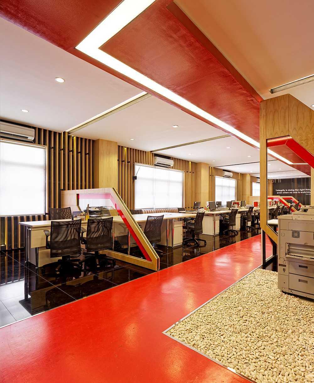 Delution Omg Office Jl. Deplu Raya No.8, Rt.3/rw.3, Bintaro, Pesanggrahan, Kota Jakarta Selatan, Daerah Khusus Ibukota Jakarta 12330, Indonesia Jakarta, Indonesia Staff-Area Minimalis 12330