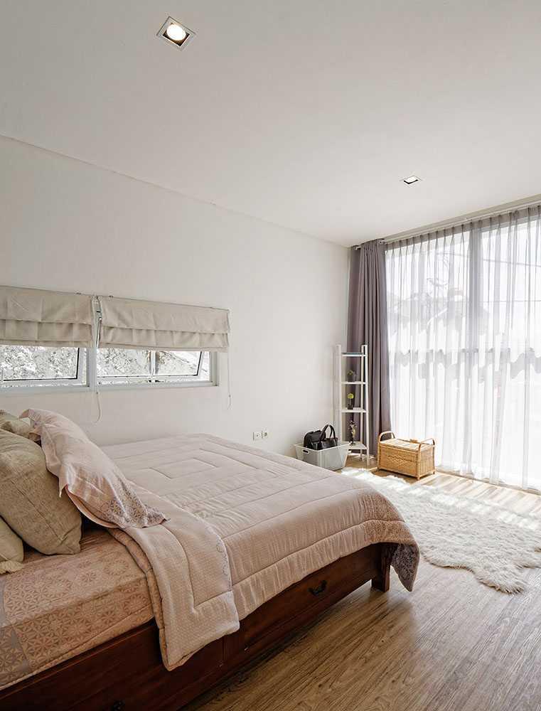 Inspirasi Desain Kamar Mandi: 327 Ide Desain Kamar & Tempat Tidur Bergaya Minimalis