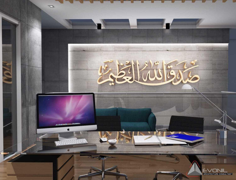 Foto inspirasi ide desain ruang kerja kontemporer Ruang-kantor-3-rev oleh EVONIL Architecture di Arsitag