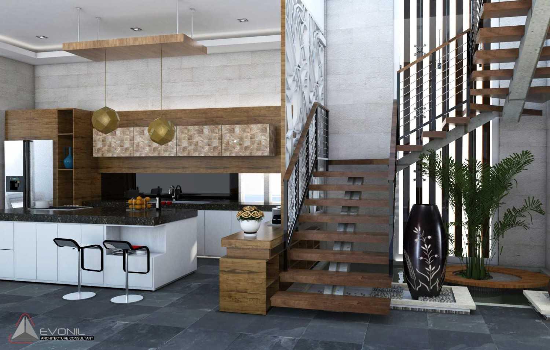 Foto inspirasi ide desain tangga tradisional Tangga-view-2-residence-jatiwaringin oleh Evonil Architecture di Arsitag