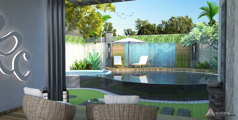 Foto inspirasi ide desain kolam tradisional Pool-residencejatiwaringin oleh Evonil Architecture di Arsitag