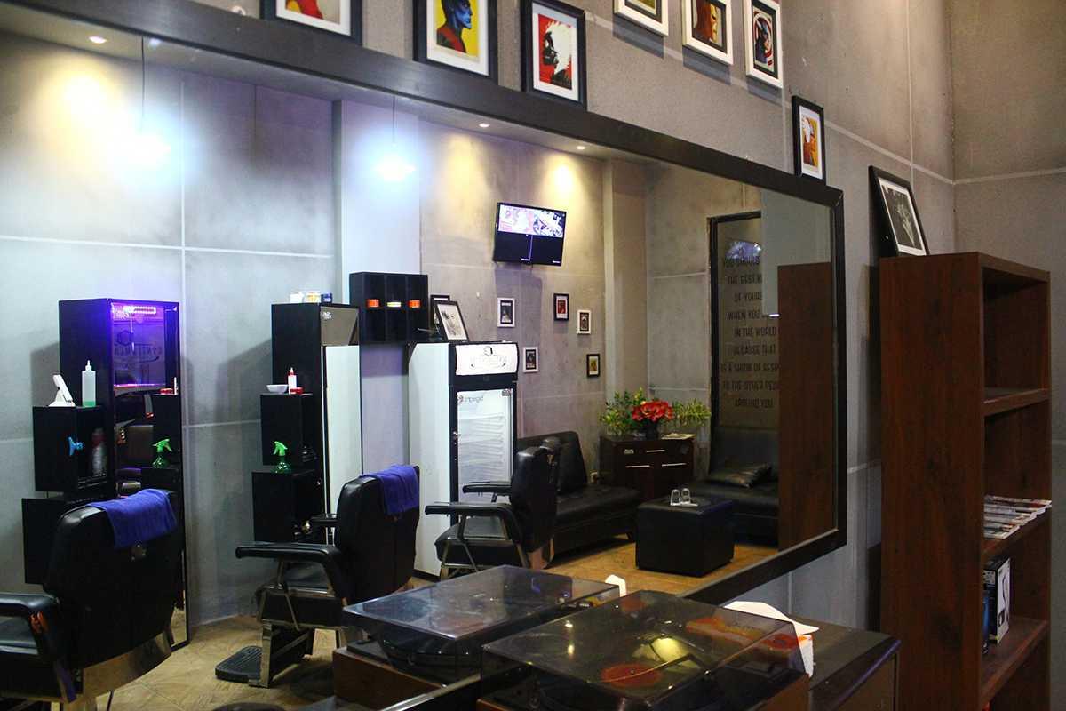 Evonil Architecture Gentlemens Inc. Barbershop  Rukan Cordoba, P.i.k, North Jakarta Rukan Cordoba, P.i.k, North Jakarta Img3438 Modern 13170