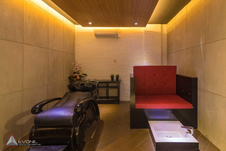 Evonil Architecture Nails & About Menicure Pedicure Salon P.i.k, Jakarta P.i.k, Jakarta Display Modern 13196
