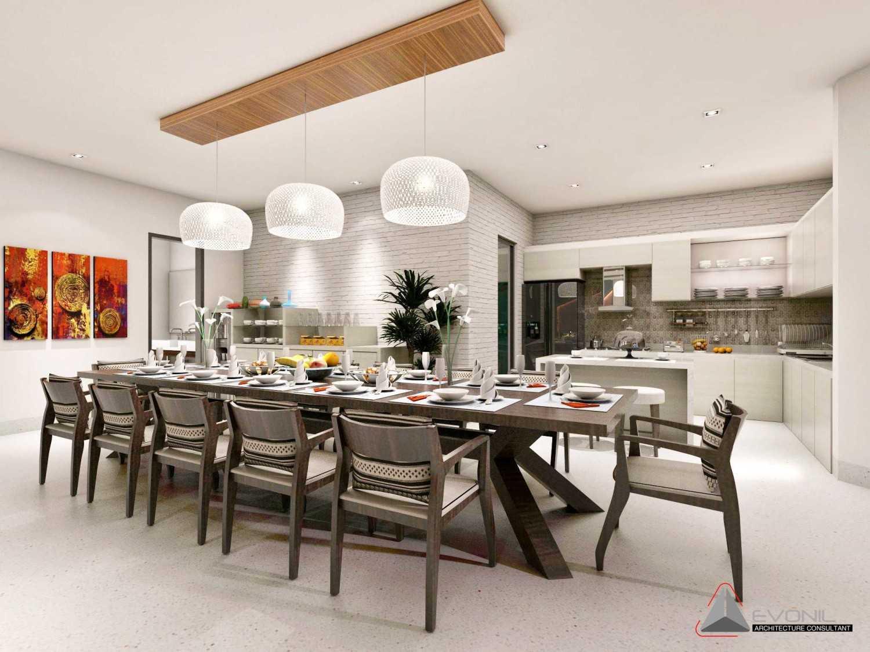 Foto inspirasi ide desain ruang makan klasik Pantry-dining-room-rev oleh Evonil Architecture di Arsitag