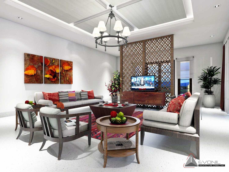 Foto inspirasi ide desain ruang keluarga klasik Ruang-tamu-rev oleh Evonil Architecture di Arsitag