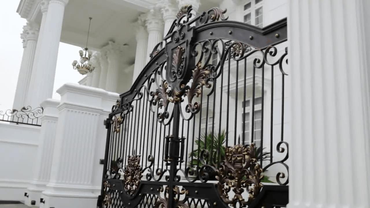 Ario Nugroho Batununggal Mansion Batununggal Bandung Batununggal Bandung Front Gate Klasik 14641