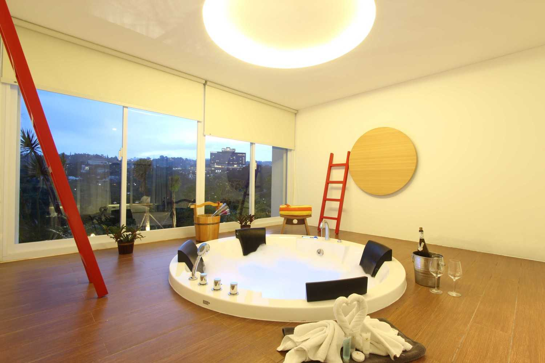 Arkitekt.id Executive Suite Room No 2 Clove Garden Hotel, Bandung Clove Garden Hotel, Bandung Jacuzzi Room Kontemporer 29456