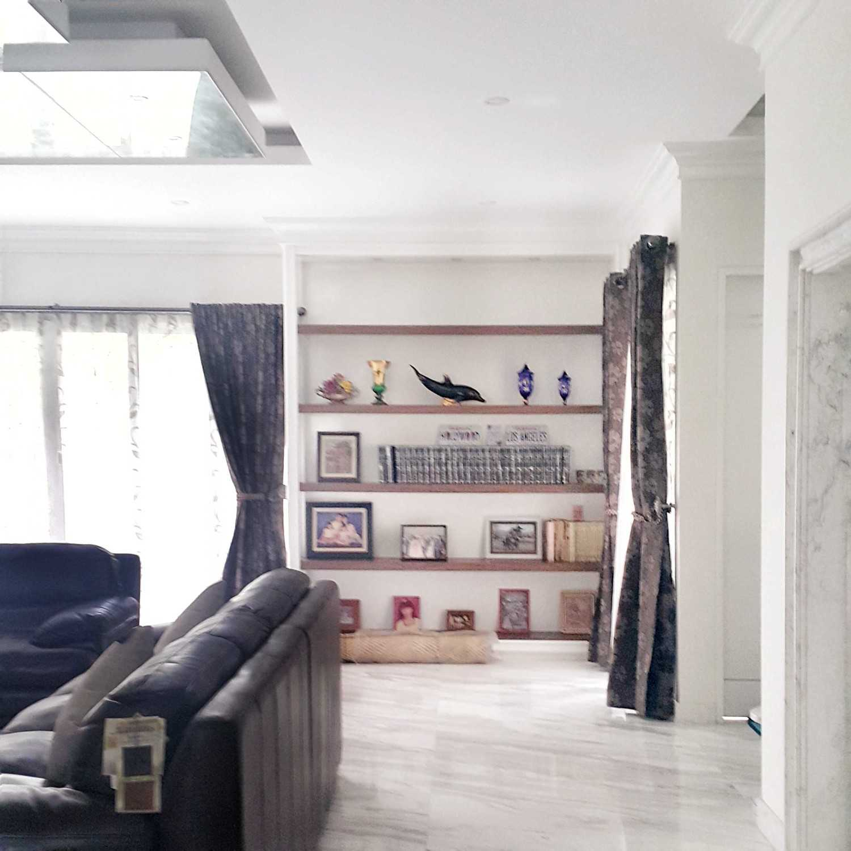 7Design Architect Mr. H House At Spring Hill Spring Hill Golf Residence, Kemayoran Spring Hill Golf Residence, Kemayoran 20161201104503-01-011480591975144 Modern 18531