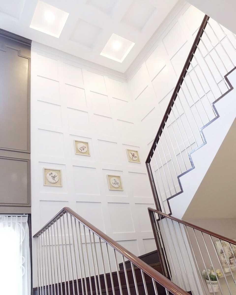 7Design Architect Mrs. D House Citrasun, Yogjakarta Citrasun, Yogjakarta Stairs Klasik 18695