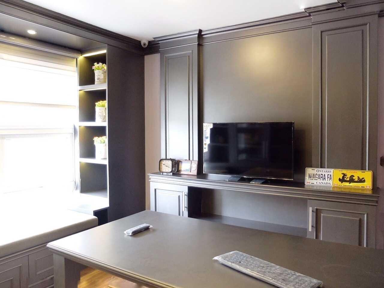 Foto inspirasi ide desain ruang kerja klasik Work room oleh 7Design Architect di Arsitag
