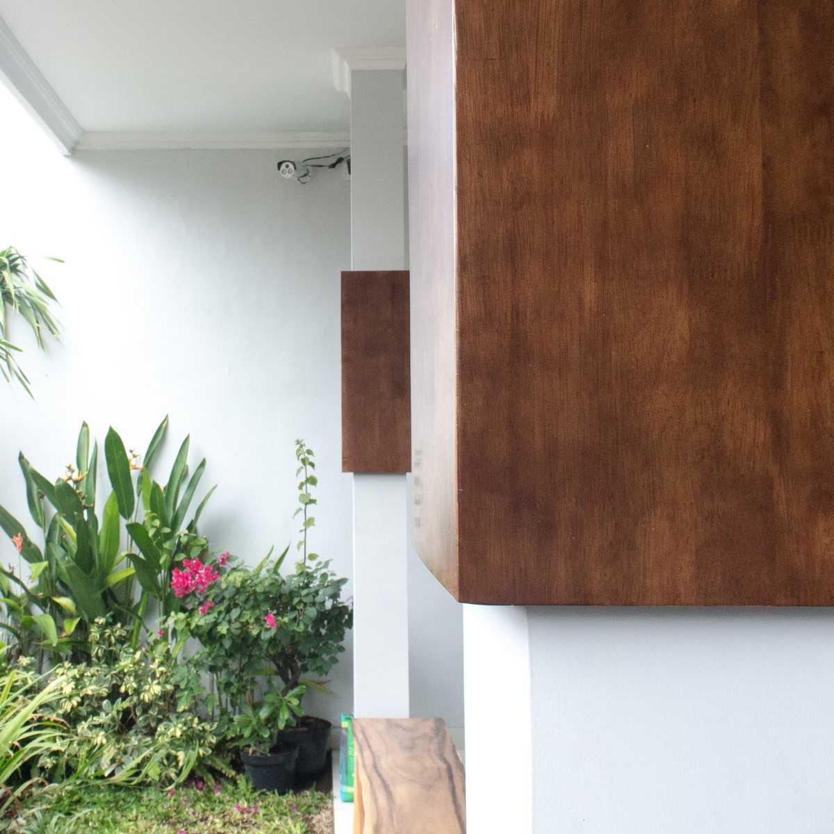 Pradhana Pande Pidada Jalan Sanitasi, Denpasar - Bali Jalan Sanitasi, Denpasar - Bali Img9748-Copy  41679