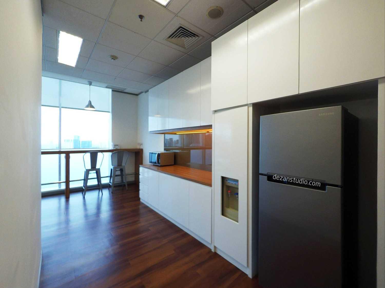 Dezan Studio Mane Office K-Link Tower, Jakarta K-Link Tower, Jakarta Pantry Modern 15115
