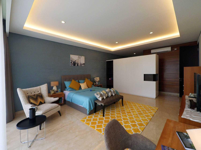 Dezan Studio Interior - Master Bedroom Pondok Indah,  Jakarta Pondok Indah,  Jakarta Bedroom Area Skandinavia 19400