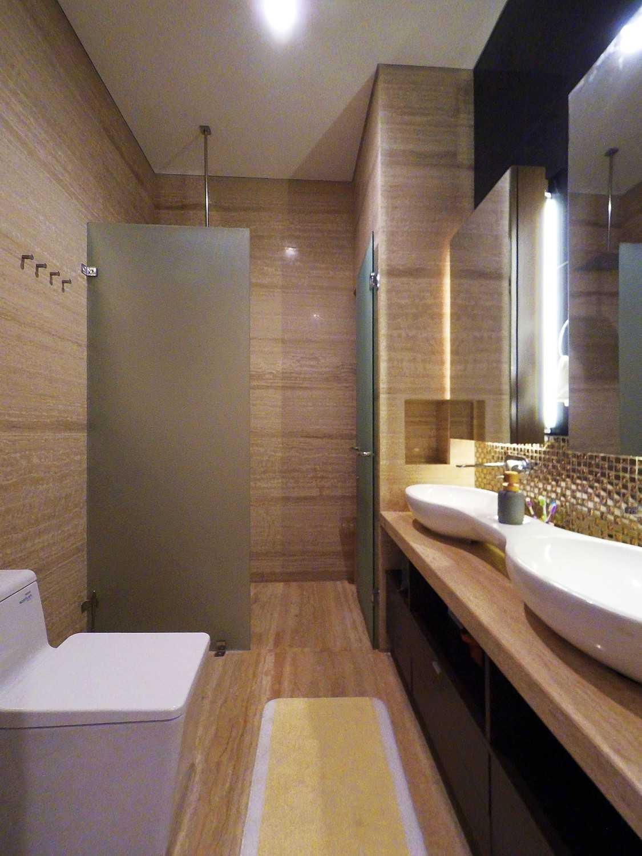 Dezan Studio Interior - Pondok Indah Pondok Indah Pondok Indah Toilet Modern 19412