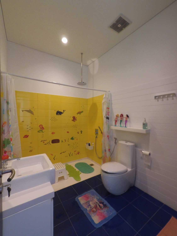 Dezan Studio Interior - Kids Room Pondok Indah Pondok Indah Kids Bathroom  19414