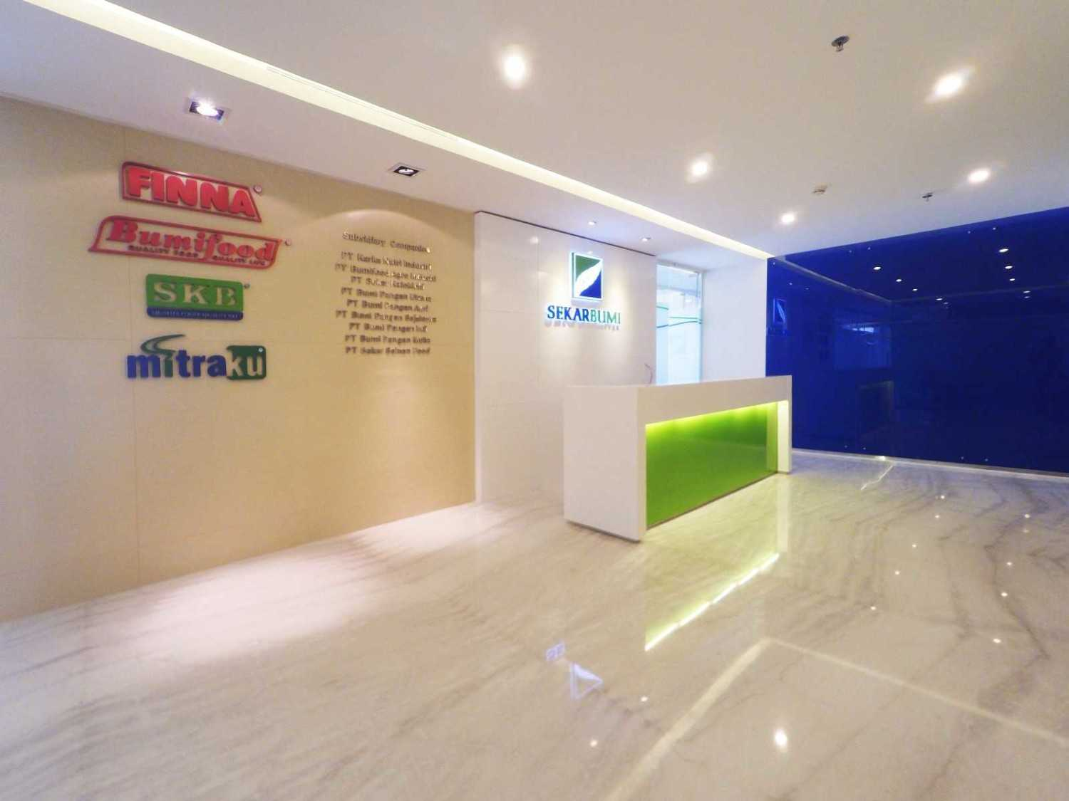 Arkadia Works Sekar Bumi Office Renovation Plaza Asia 21St Floor Plaza Asia 21St Floor Reception Area  14074