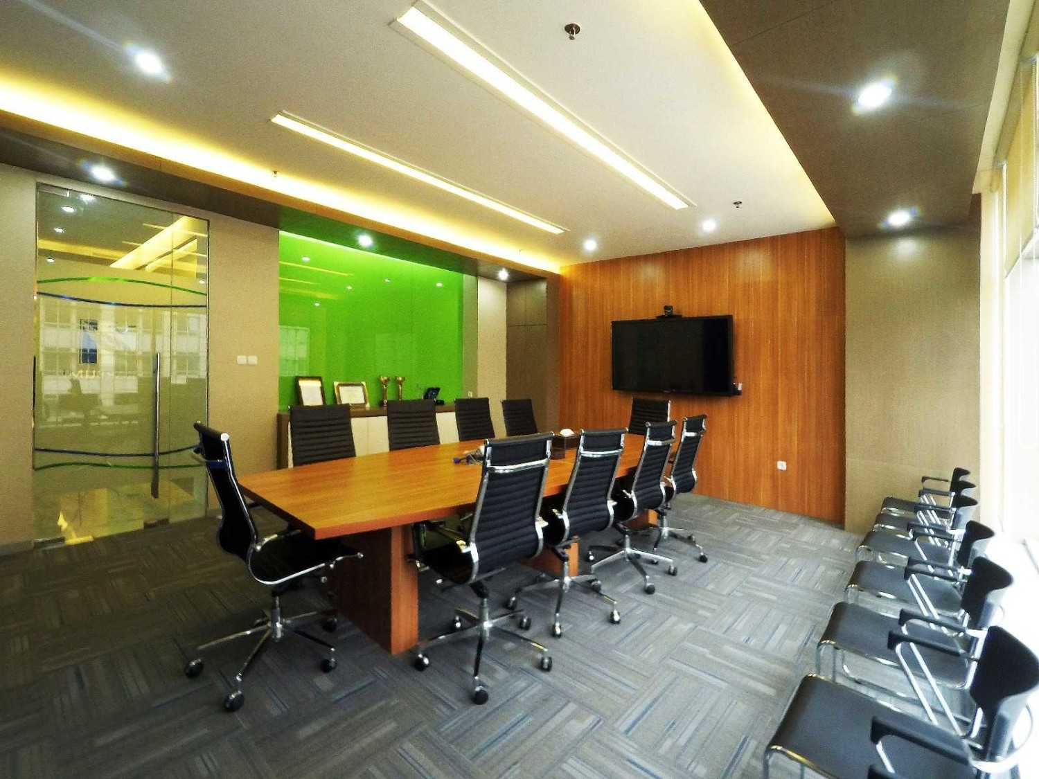Arkadia Works Sekar Bumi Office Renovation Plaza Asia 21St Floor Plaza Asia 21St Floor Meeting Room  14076