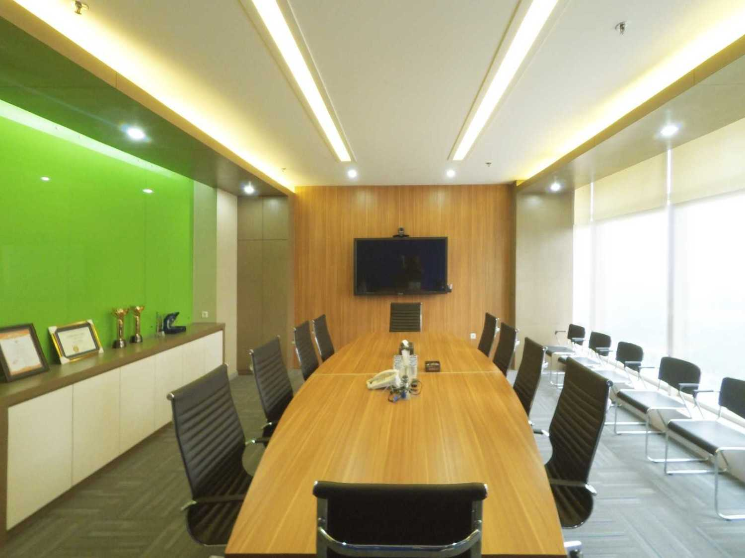 Arkadia Works Sekar Bumi Office Renovation Plaza Asia 21St Floor Plaza Asia 21St Floor Meeting Room  14078