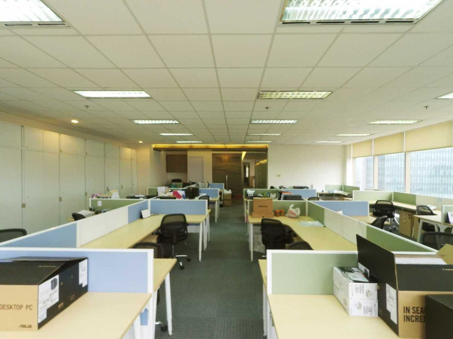 Arkadia Works Sekar Bumi Office Renovation Plaza Asia 21St Floor Plaza Asia 21St Floor Staff Area  14080