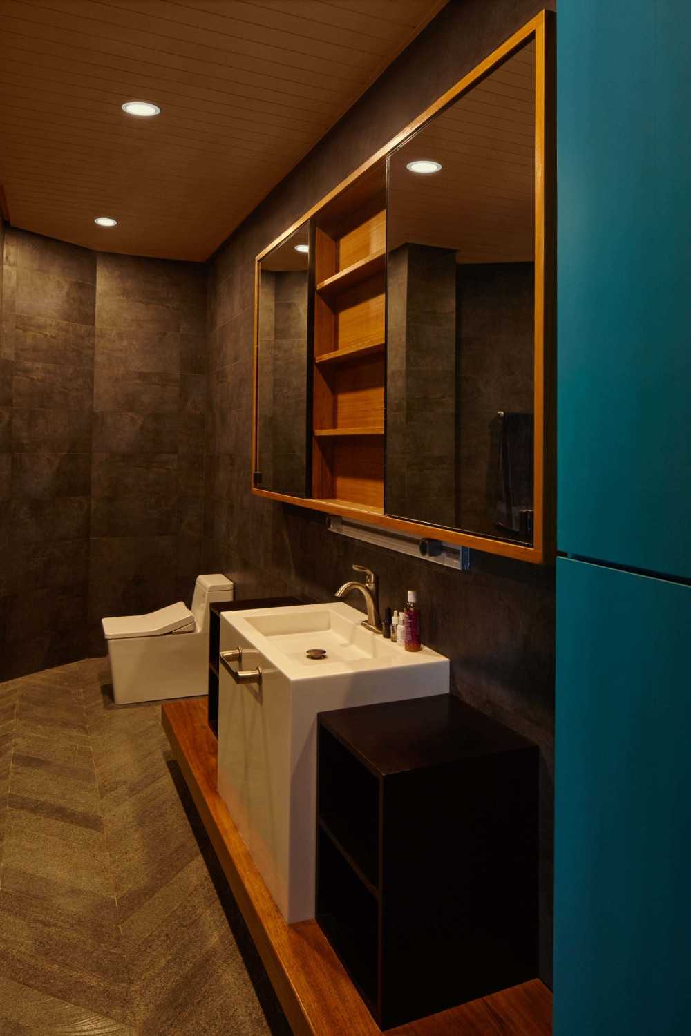 Alvin Tjitrowirjo, Alvint Studio Na Residence  Solo - Central Java  Solo - Central Java  Bathroom Contemporary 15646