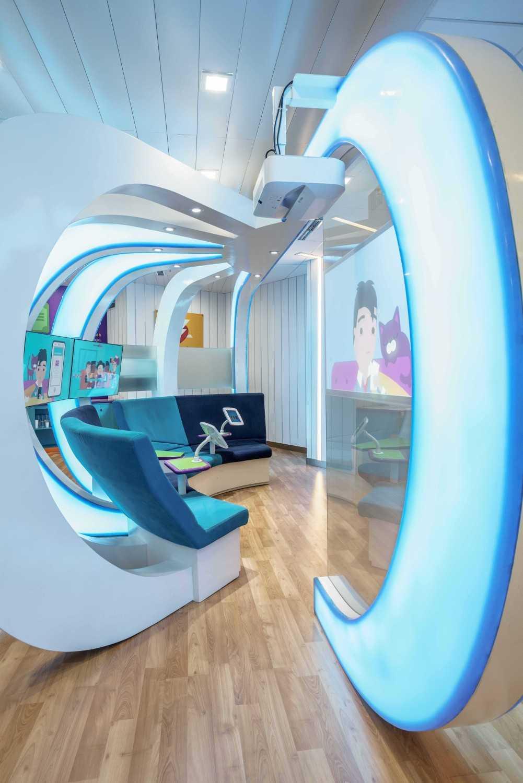 Foto inspirasi ide desain display area Interior oleh Alvin Tjitrowirjo, AlvinT Studio di Arsitag
