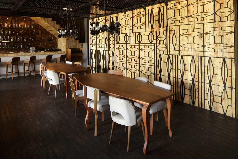 Alvin Tjitrowirjo, Alvint Studio Porterhouse Pantai Indah Kapuk, Jakarta, Indonesia Pantai Indah Kapuk, Jakarta, Indonesia Seating Area Interior View Industrial 19682