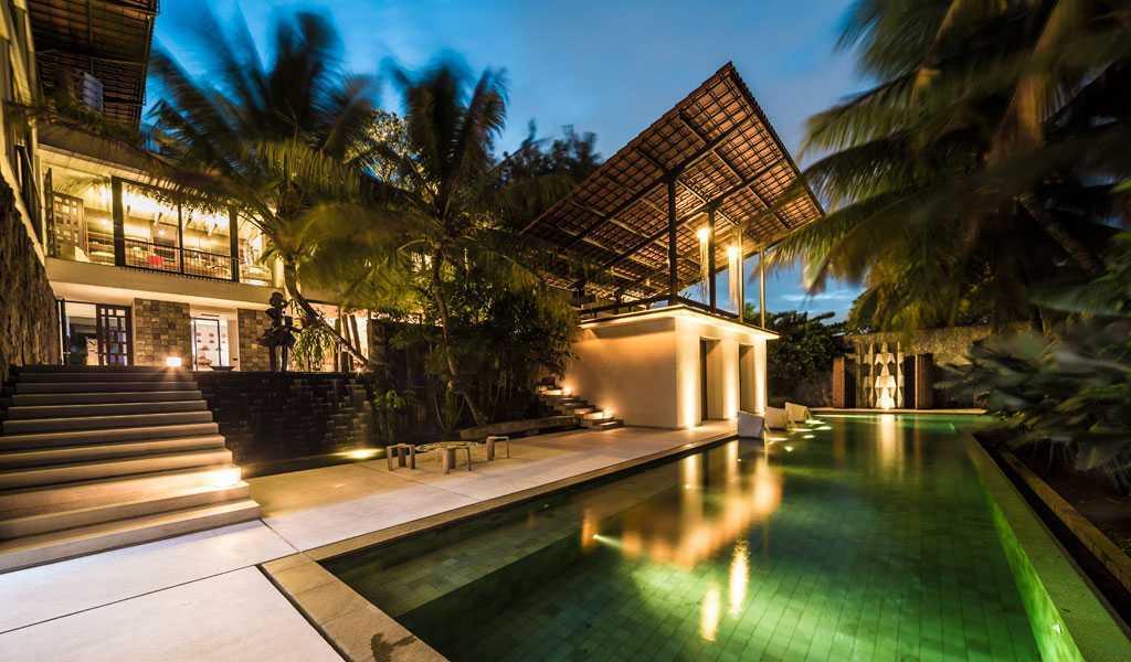 Foto inspirasi ide desain kolam Swimming pool area oleh HAN AWAL & PARTNERS di Arsitag