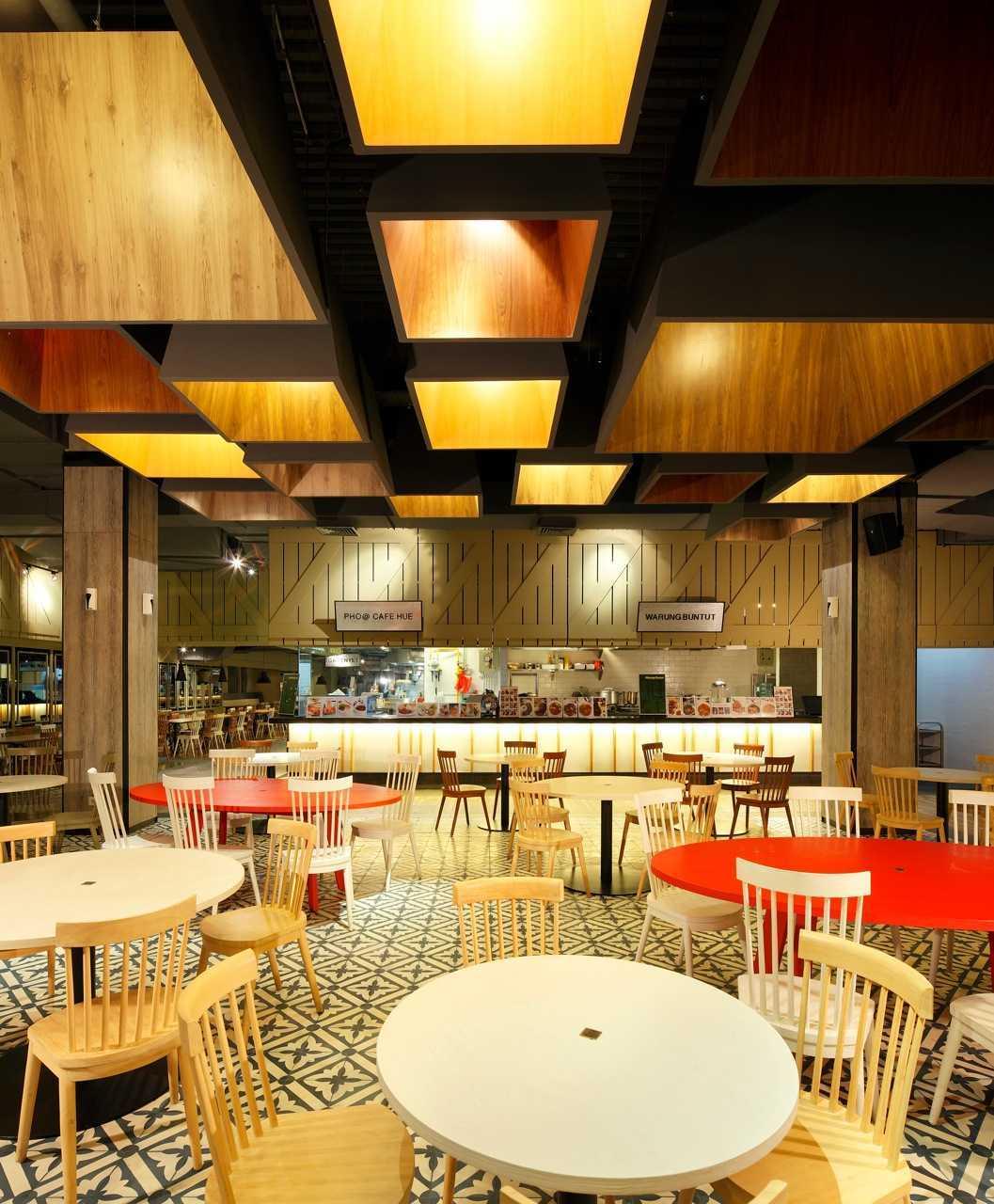 Ma-Ru Urban Kitchen  Plaza Indonesia Plaza Indonesia Seating Area Restaurant  15336