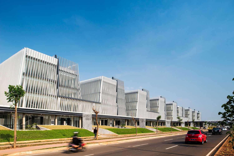 Aboday Architect Foresta Business Park Tangerang, Indonesia Tangerang, Indonesia Man-Eye-Level-View Kontemporer 15885