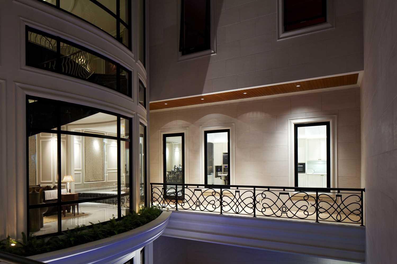 Vin•da•te Mayang Permai Residence Pantai Indah Kapuk - North Jakarta Pantai Indah Kapuk - North Jakarta Balcony Kontemporer 17151