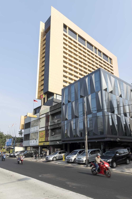 Vin•da•te Cv. Berkah - Office Project Jakarta-Indonesia Jakarta-Indonesia Front View Modern 15739