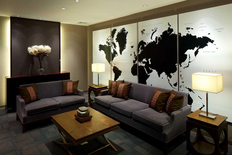 Foto inspirasi ide desain lobby kontemporer Seating area oleh VIN•DA•TE di Arsitag