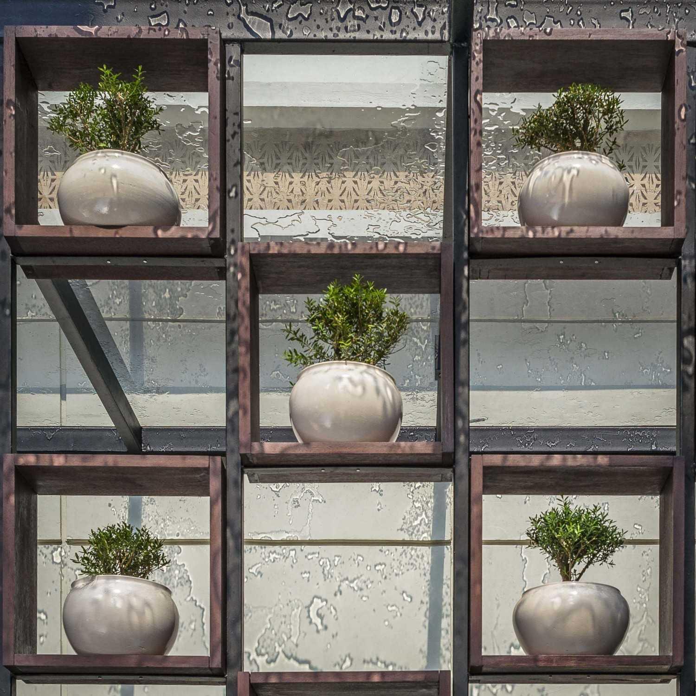 Vin•da•te Lewis  & Carrol  High  Tea Jakarta, Indonesia Jakarta, Indonesia Exterior Details Tropis 15764
