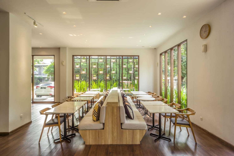 Vin•da•te Lewis  & Carrol  High  Tea Jakarta, Indonesia Jakarta, Indonesia Seating Area Restaurant Tropis 15767