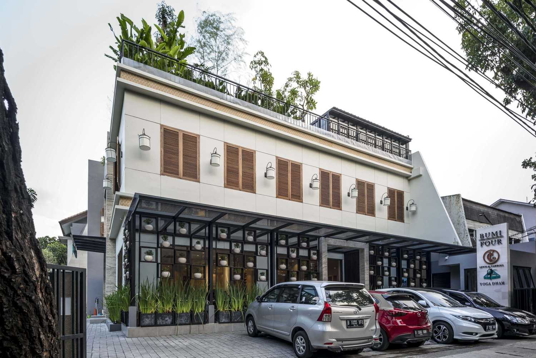 Vin•da•te Lewis  & Carrol  High  Tea Jakarta, Indonesia Jakarta, Indonesia Side View Tropis 15775