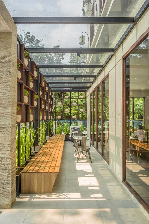 Vin•da•te Lewis  & Carrol  High  Tea Jakarta, Indonesia Jakarta, Indonesia Semi Outdoor Area Tropis 15780