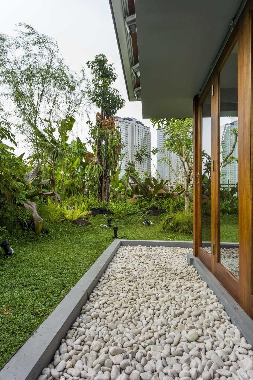 Vin•da•te Lewis  & Carrol  High  Tea Jakarta, Indonesia Jakarta, Indonesia Backyard Tropis 15783