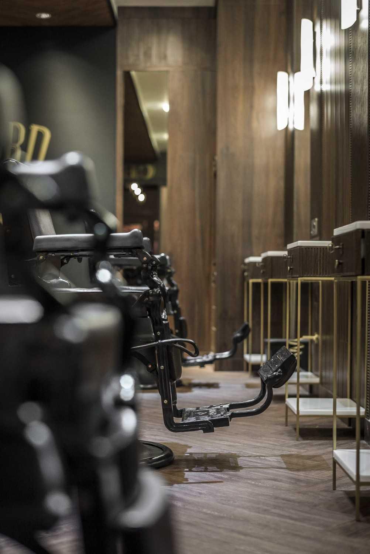 Vin•da•te Sterling Barbers Jakarta-Indonesia Jakarta-Indonesia Barber Chair Details Industrial 17508