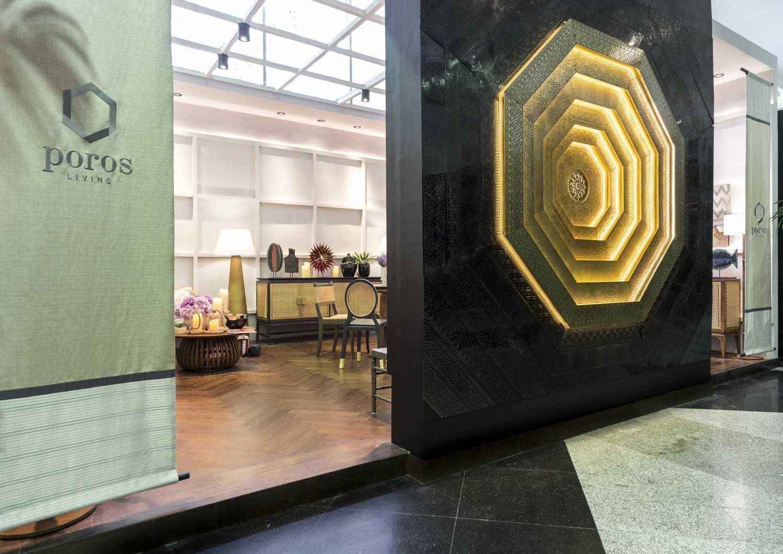 Foto inspirasi ide desain pintu masuk kontemporer Living exhibition oleh VIN•DA•TE di Arsitag