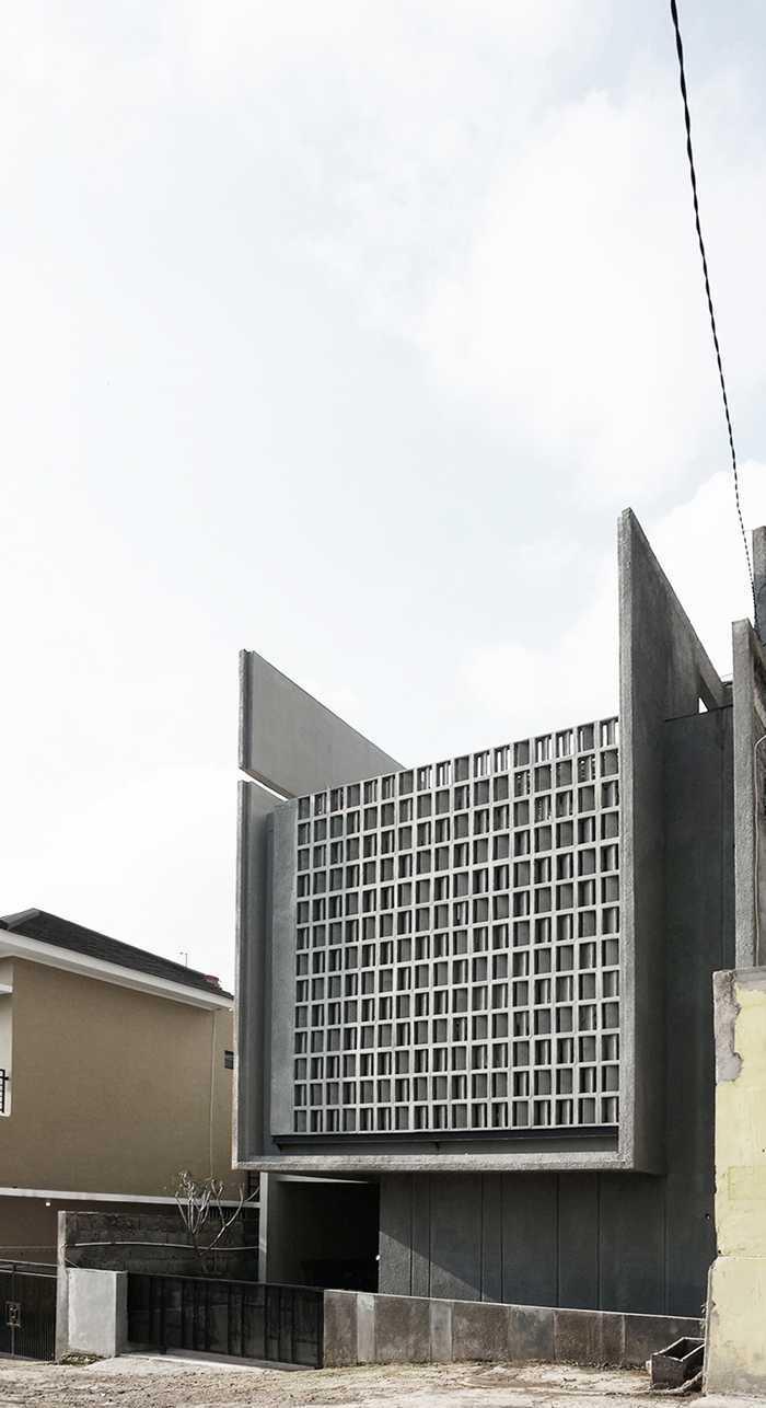 Eben The Mighty Mini - Conformable Minimax House Bandung Bandung Front-Elevation-5-Ebenhaezer  16112