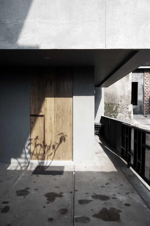Eben The Mighty Mini - Conformable Minimax House Bandung Bandung Door  16119