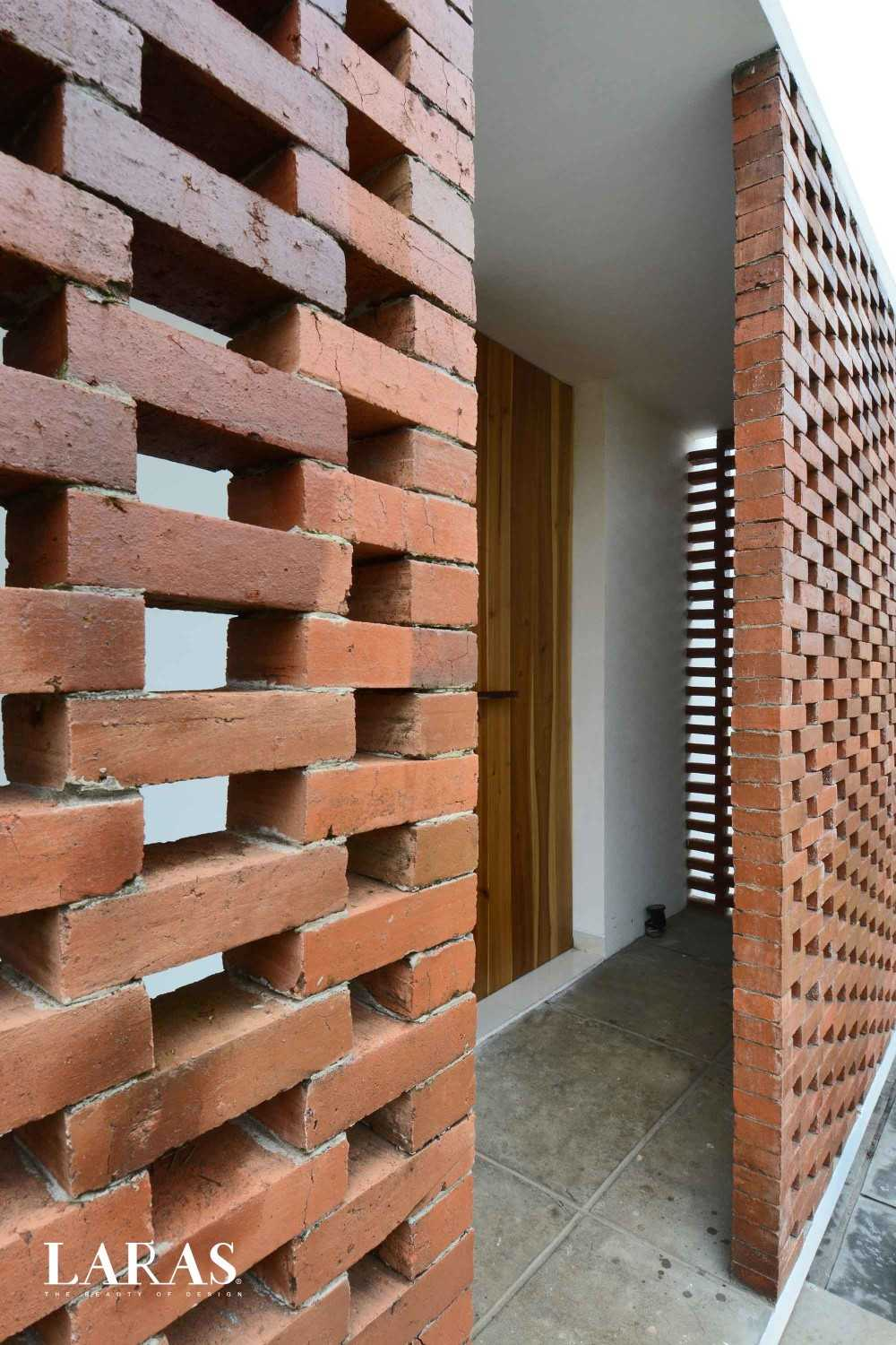 Eben White Perforated Brick House Bandung Bandung Entrance Area Modern,tropis 29658