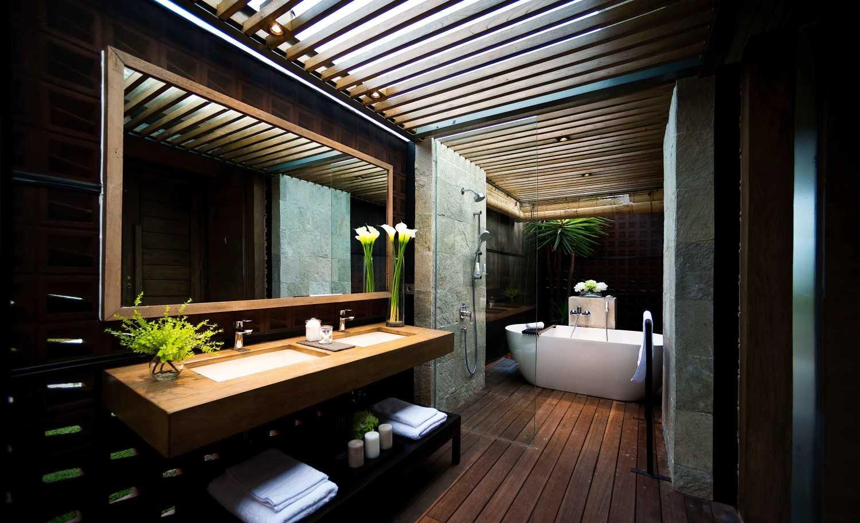 Foto inspirasi ide desain kamar mandi Djoglo bungalow - bathroom oleh MINT-DS di Arsitag